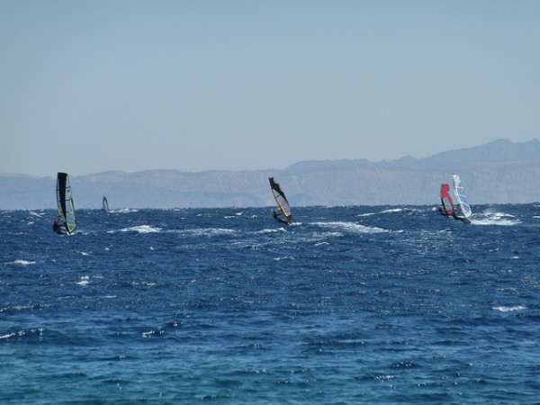 Windsurfing at Dahab, ©jameswragg/Flickr